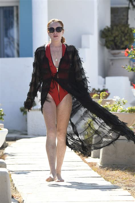 Lindsay Lohan Sexy – The Fappening Leaked Photos 2015-2019